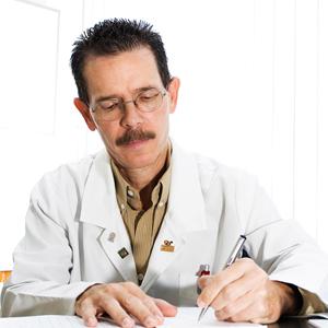 Dr. Carlos González Cintra