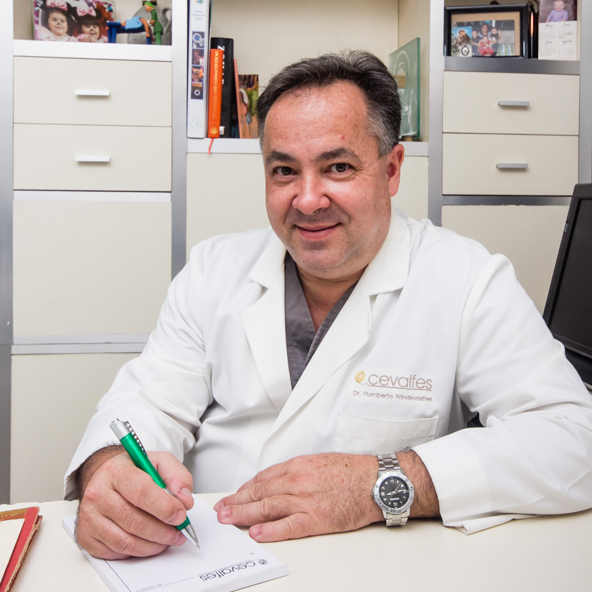 Dr. Humberto Windevoxhel